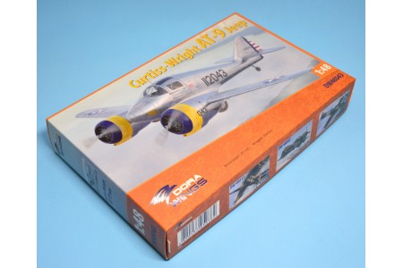 Curtiss-Wright AT-9 Jeep - 1/48 scale model construction kit